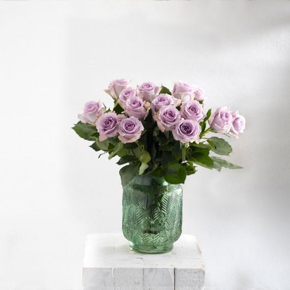 Ramos de rosas lilas