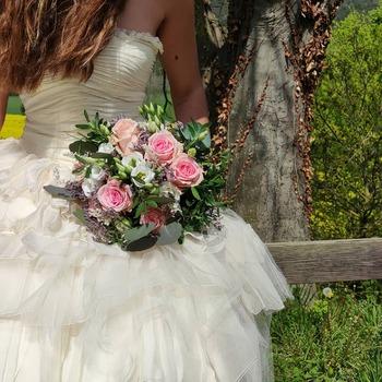 Qué os parece nuestro Ramo romàntic Pink ?? Pues eso, a casarse!!! #ramosonline #flores🌸 #cocoandmiaflores #floresonline #ramosdenoviabaratos #ramosadomicilio