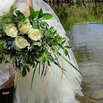 Rosas Blancas para nuestro ramo Elegant White !! Say Yesss #ramosfloresadomicilio #ramosdenovia #floresonline #ramosbonitos #cocoandmianovias #cocoandmiaflores